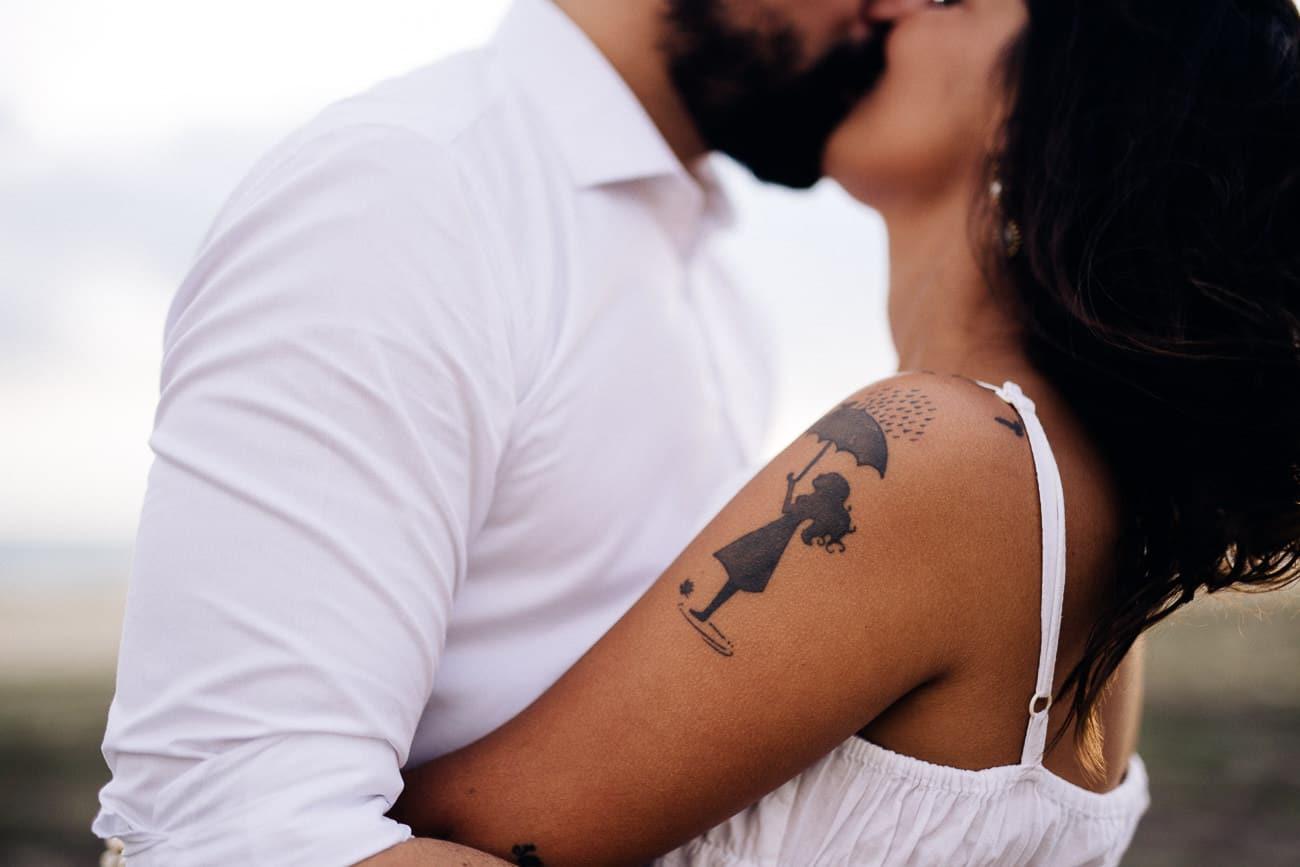 fotos-de-casal-praia-porto-das-dunas-2