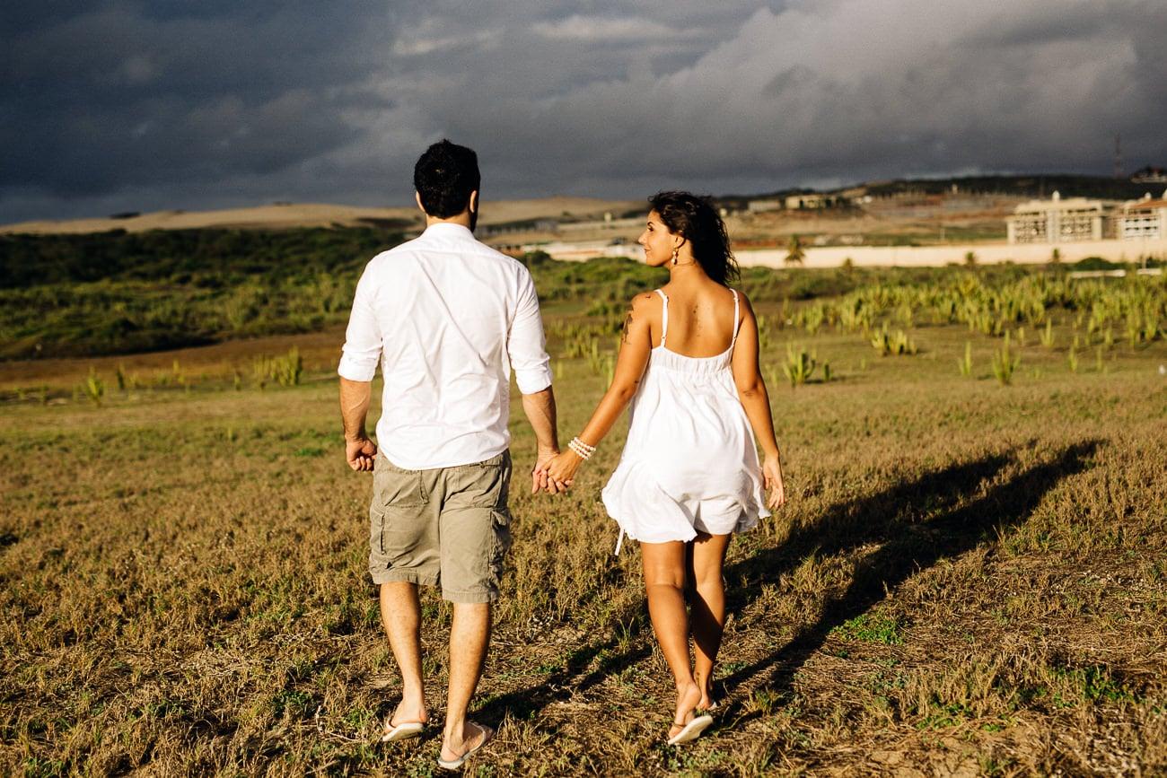 fotos-de-casal-praia-porto-das-dunas-7
