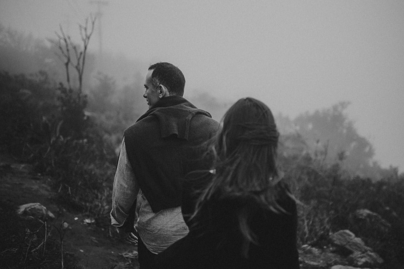 fotos de casal na neblina guramiranga