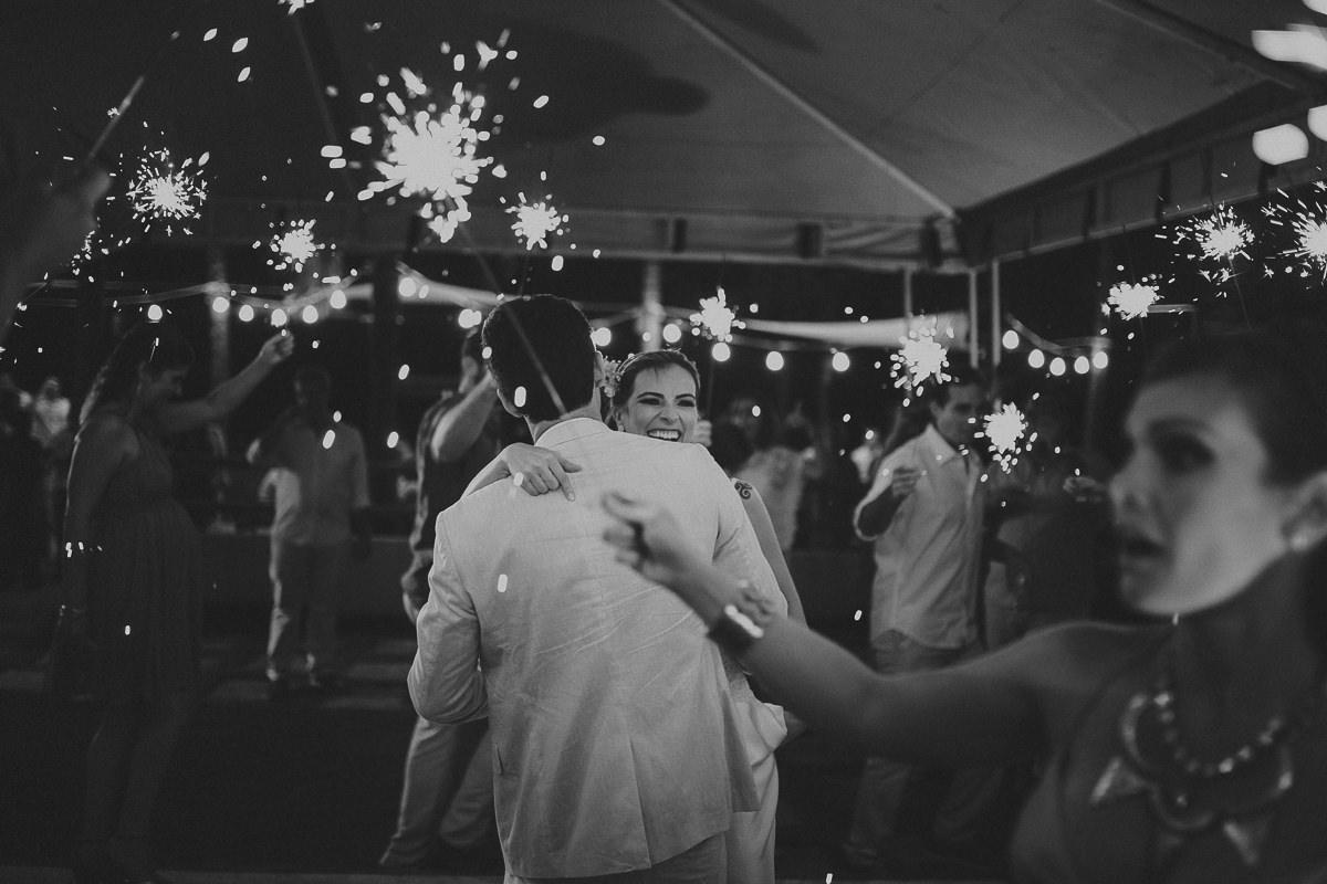 Sparkles casamento na praia do cumbuco