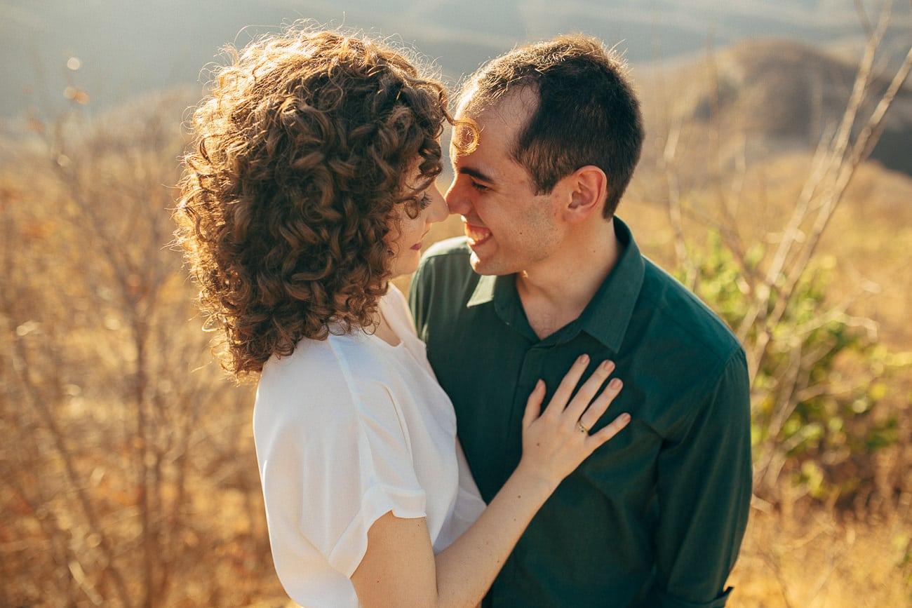 fotos de casal com luz natural linda