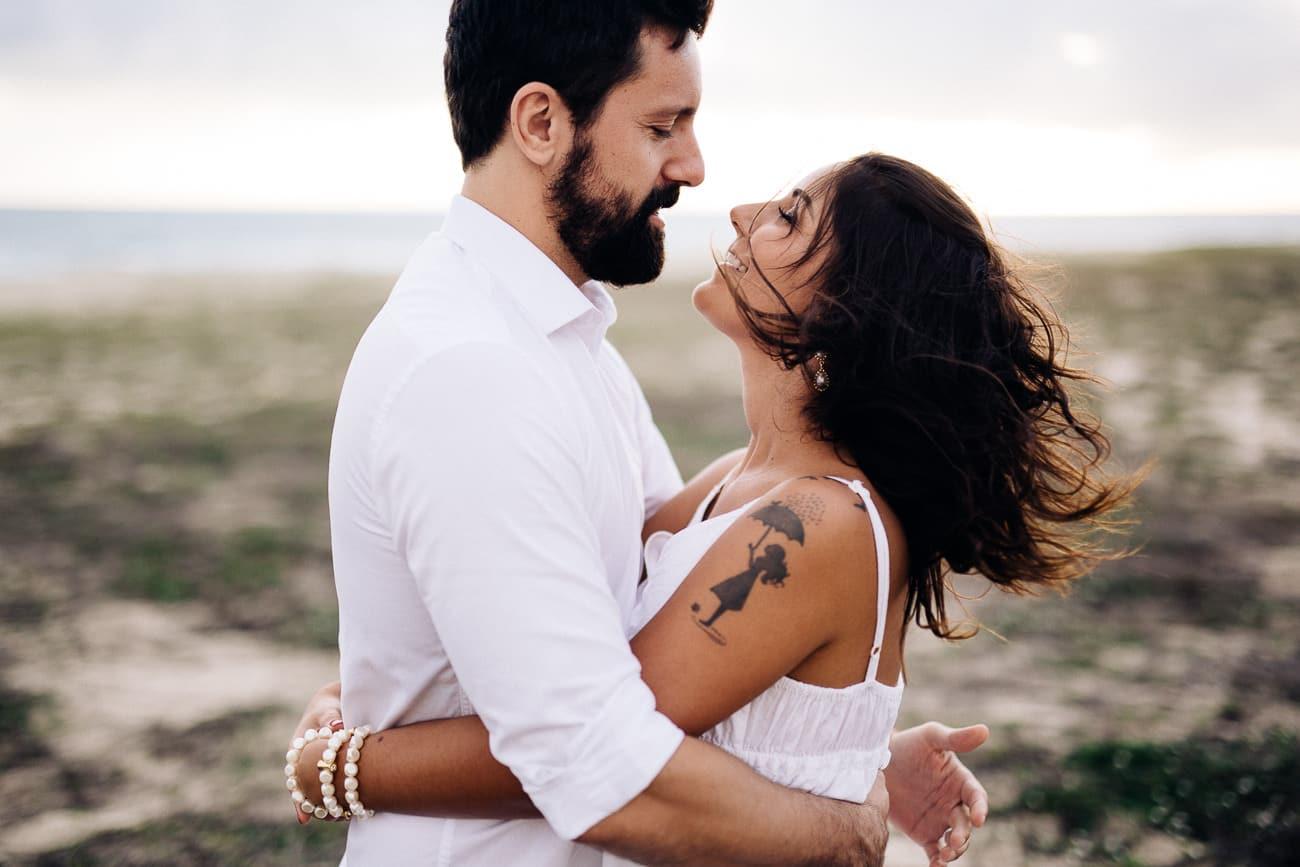 fotos-de-casal-praia-porto-das-dunas-1