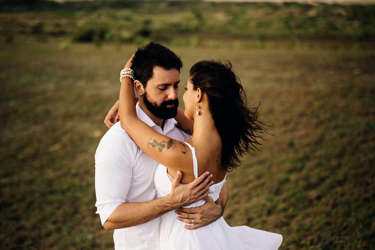 fotos-de-casal-praia-porto-das-dunas-6