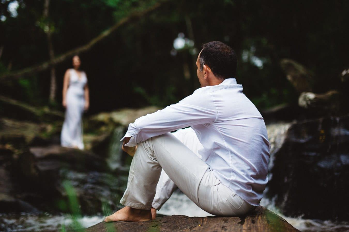fotos de casal na cachoeira em guramiranga