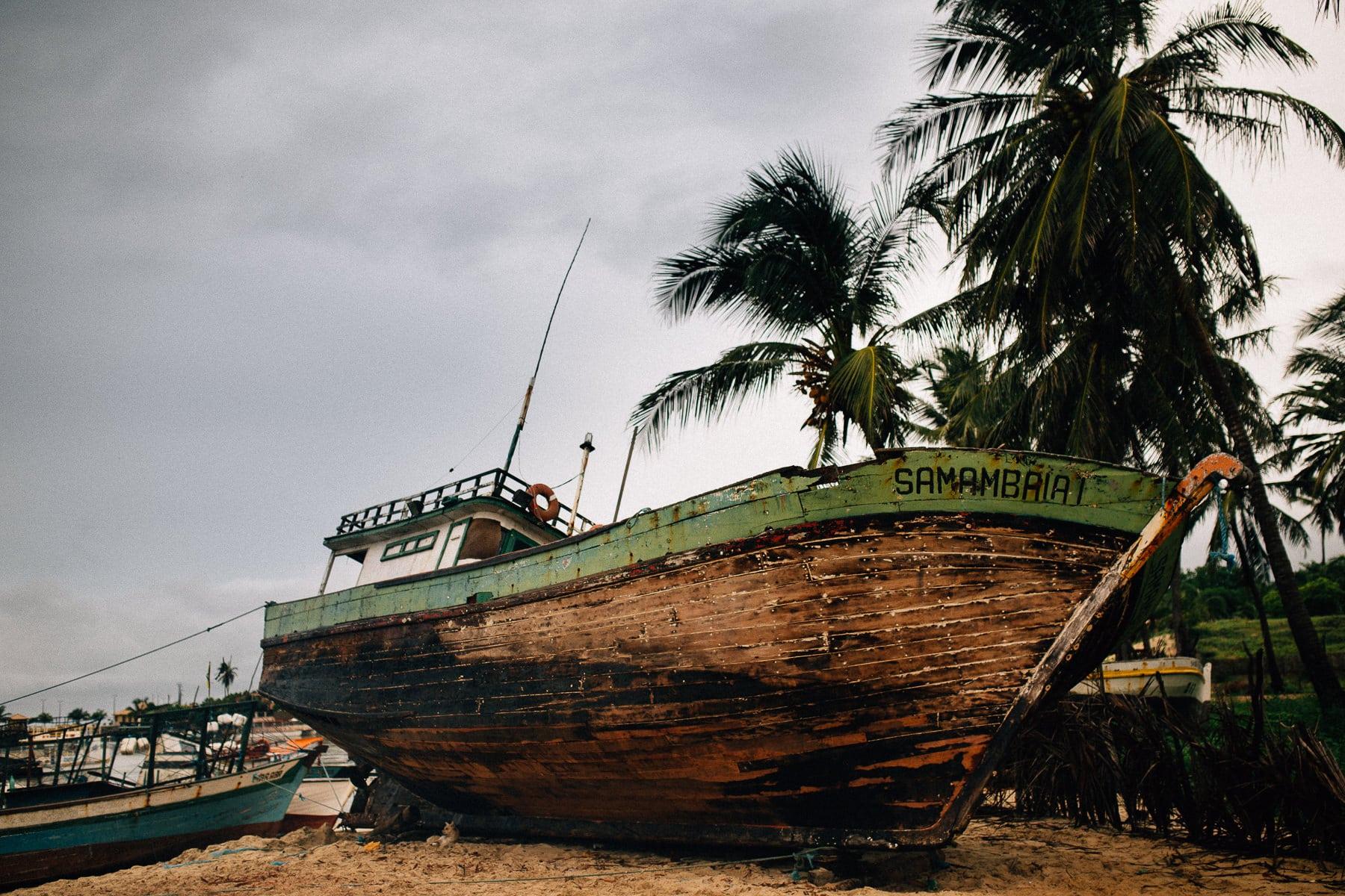 barco antigo de pescadores
