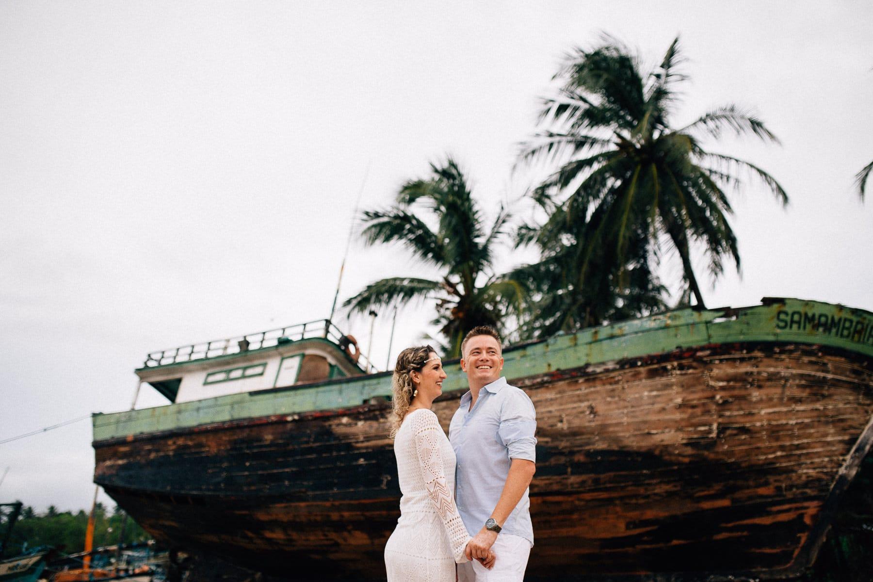 fotos de casal na vila de pescadores em Mundaú