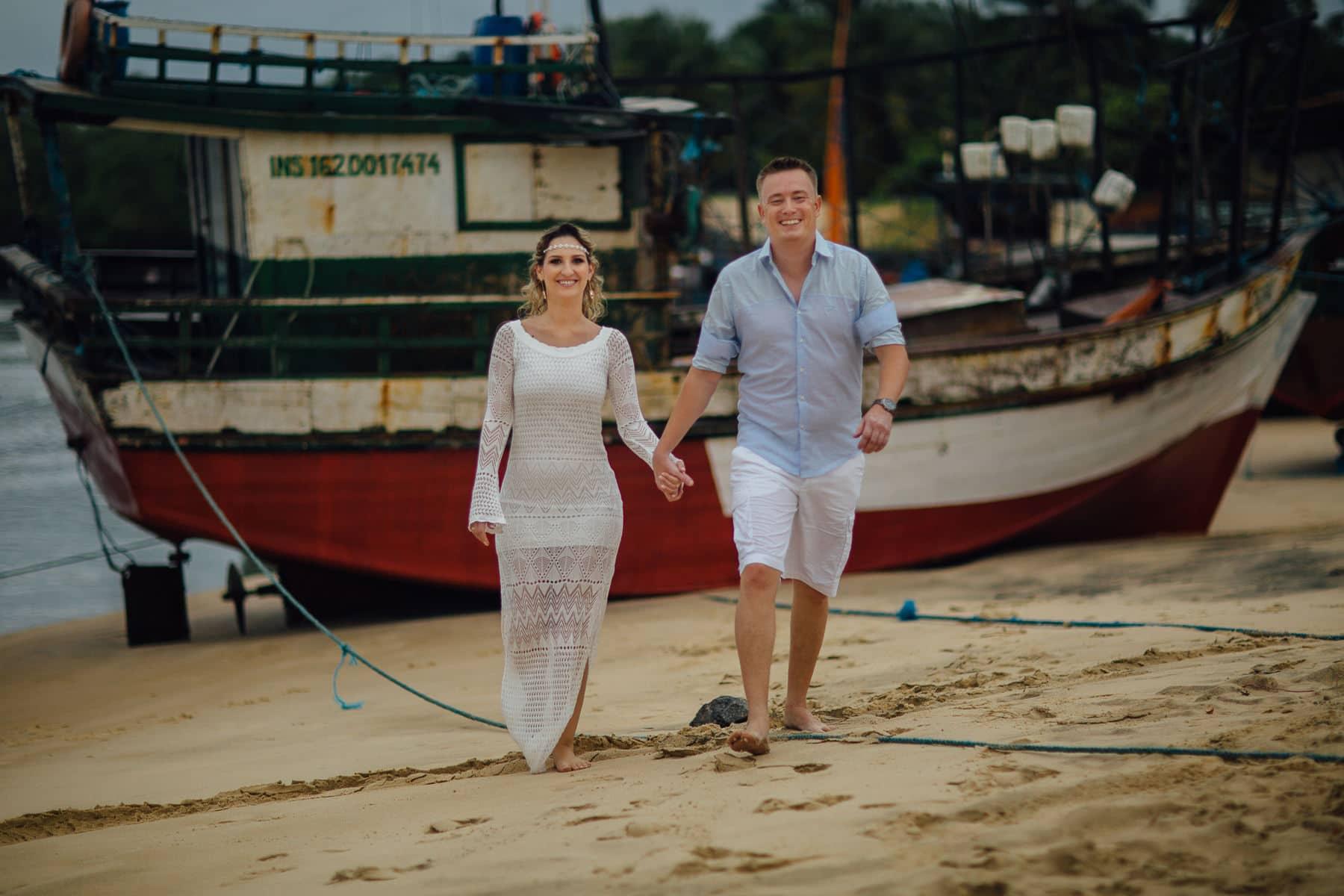 fotos de casal em vila de pescadores