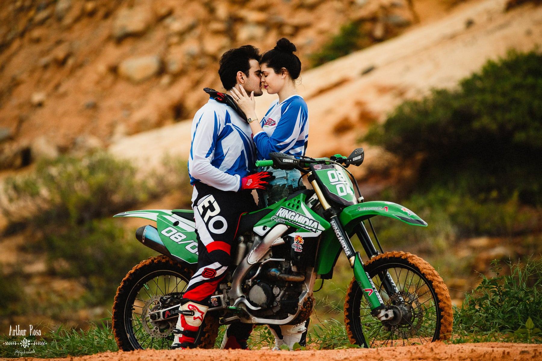 fotos de casal de moto